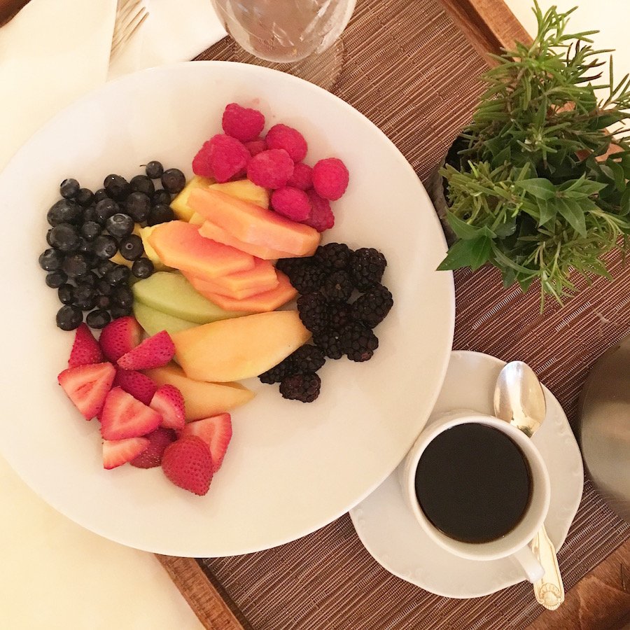 The Houstonian Hotel, breakfast in bed, room service, fresh fruit, coffee, travel