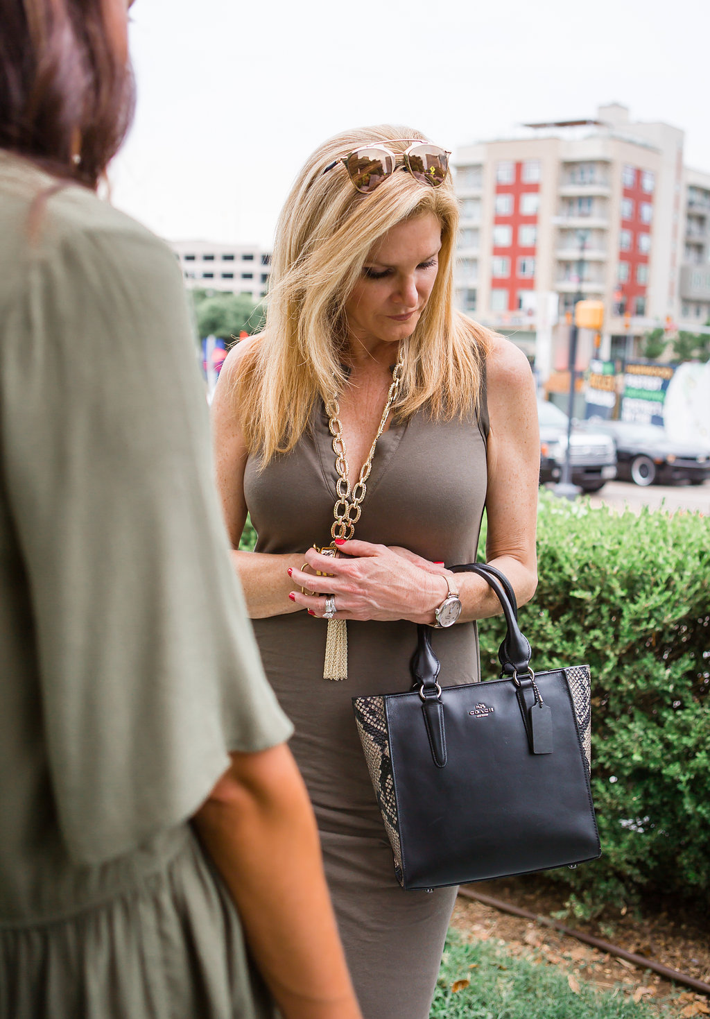 Tanya Foster, Dallas fashion blogger, olive dress, form fitting dress, NSale
