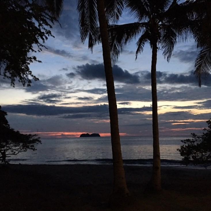Costa Rica, Playa Hermosa, sunset, lifestyle Blogger