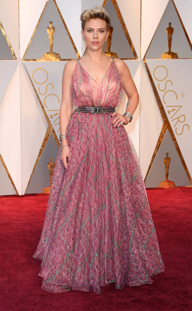 Scarlett Johansson at one the Worst Dressed at the 2017 Oscars