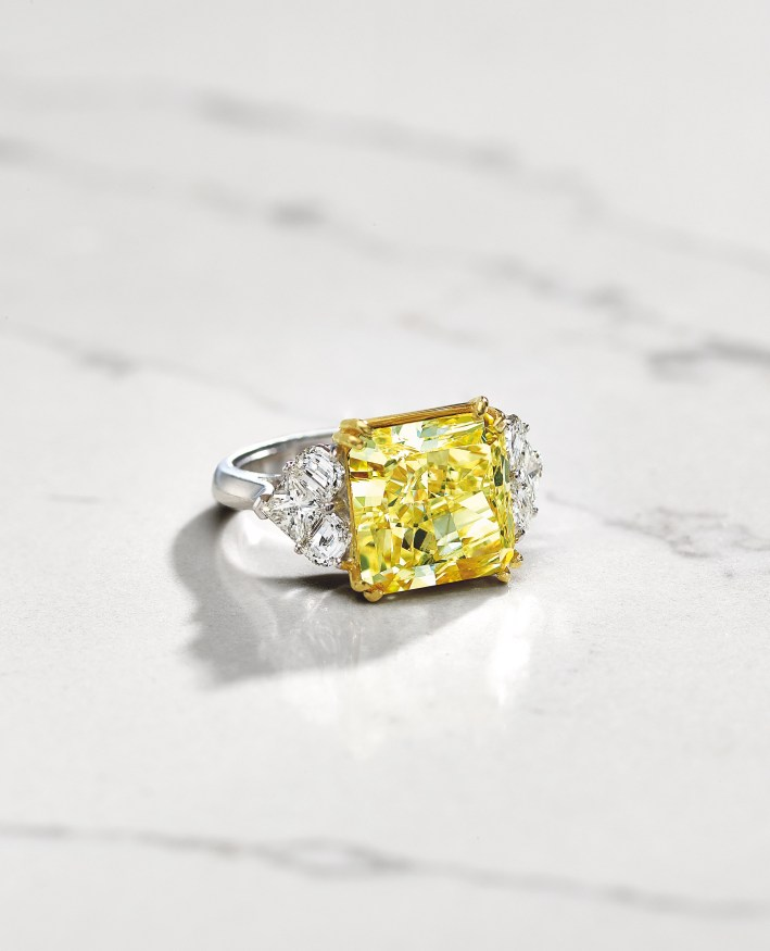 Join me on March 22 for a Heritage Auctions party to preview their Fine Jewelry