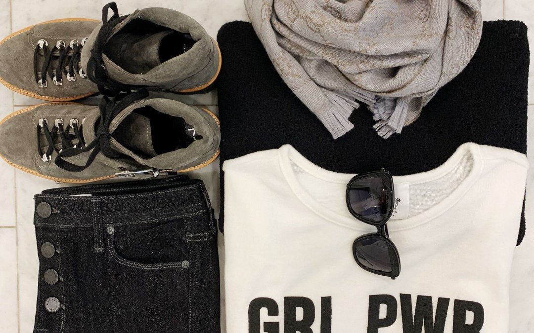 Travel Looks & Essentials