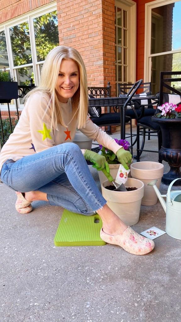 tanya foster gardening in martha stewart tgarden clogs