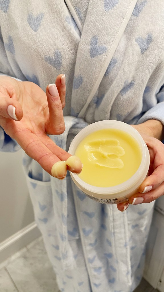 Scoop of Elemis Naked cleansing balm