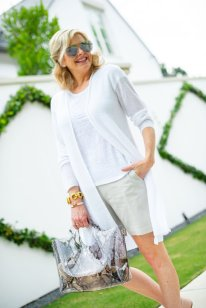5 Ways to Wear Flattering Shorts at Any Age