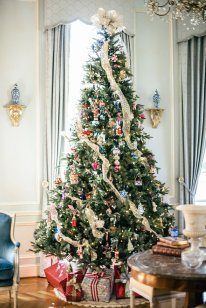Tips & tricks to easy holiday decor