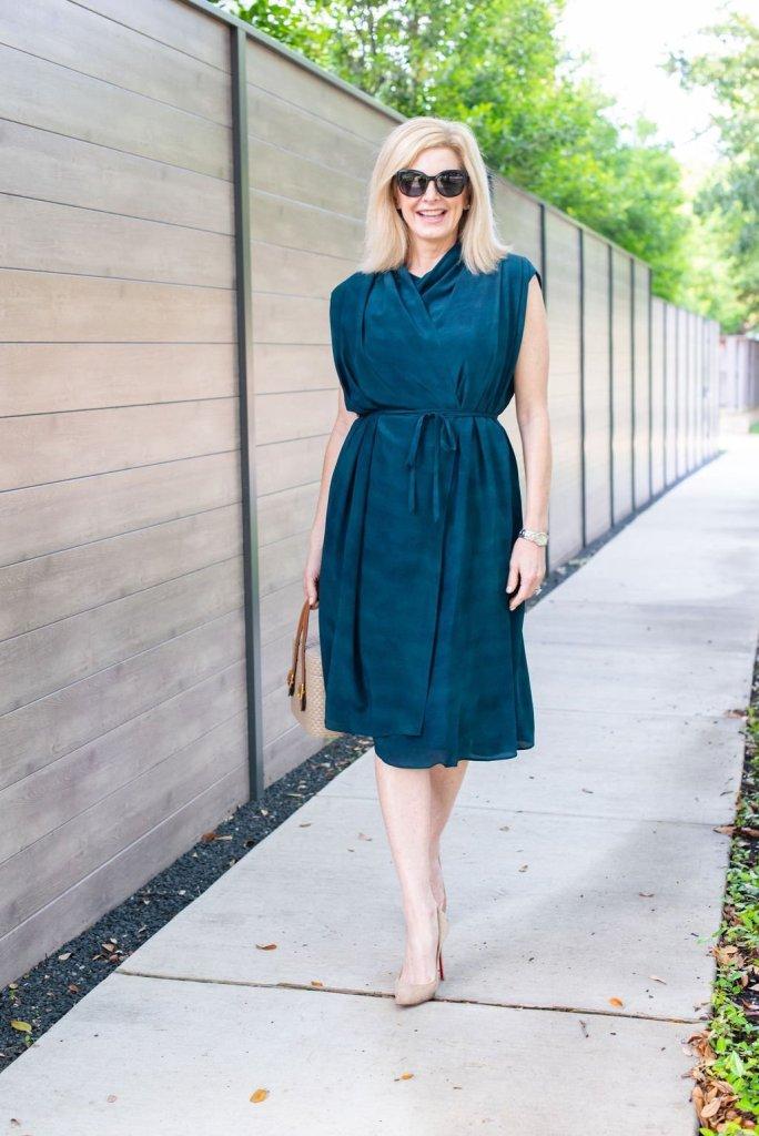 M.M. LaFleur Greer Dress - 100 % luxurious silk crepe fabric that drapes beautifully.