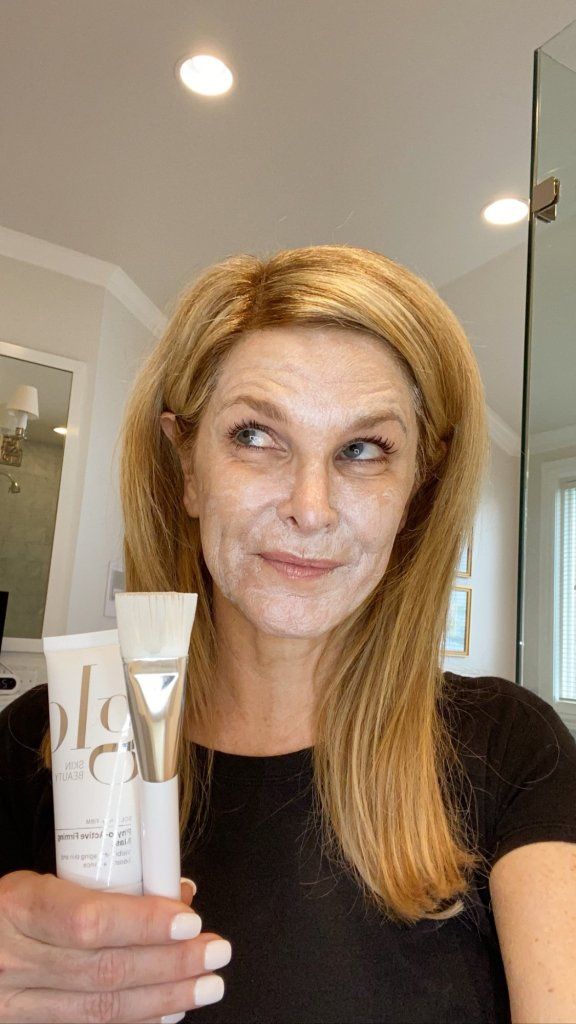Tanya Foster trying the Glo Skin Beauty Phyto-Active Firming Mask and mask brush
