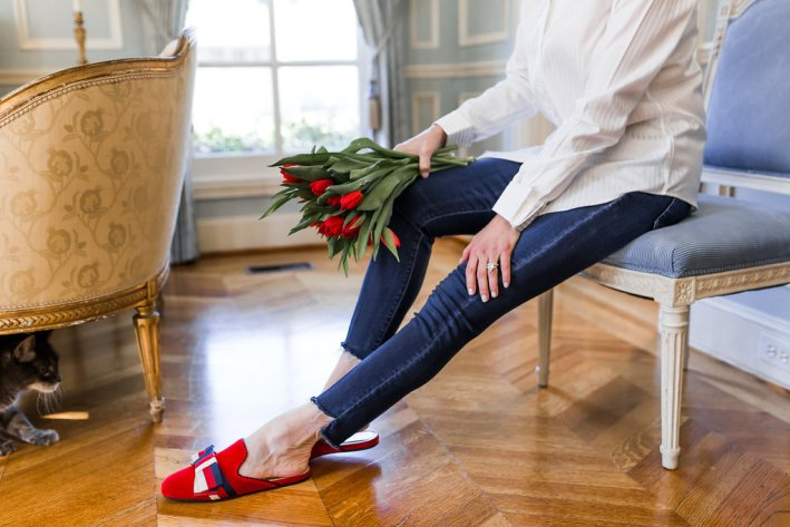 White shirt, Mother denim, Gucci loafers and tulips