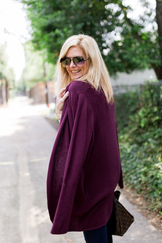 Nordstrom burgundy sweater, white t-shirt and skinny jeans with black mules