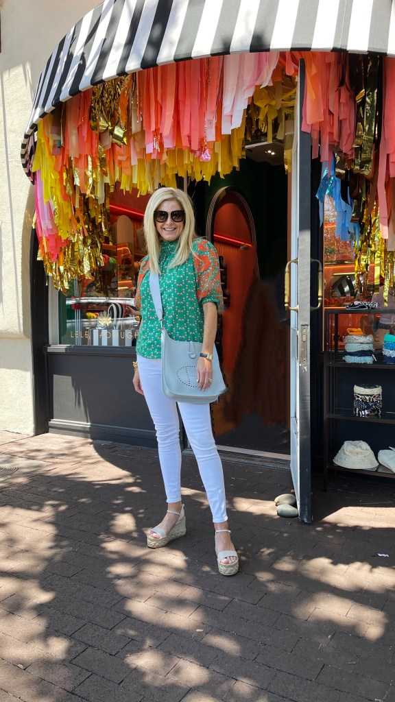 tanya foster in avara top white skinny jeans and wedges