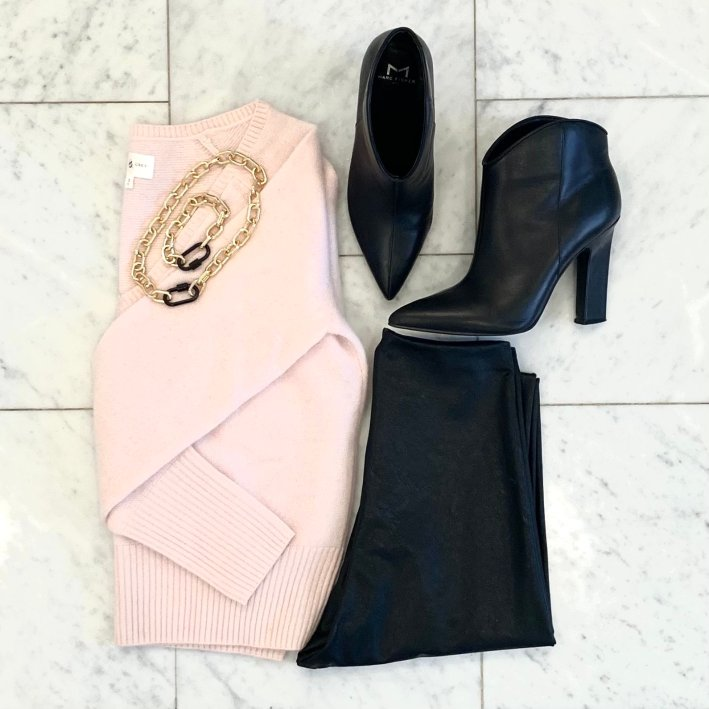 lou & grey pink sweater with commando faux leather leggings black booties and allie+bess chain necklace and bracelet