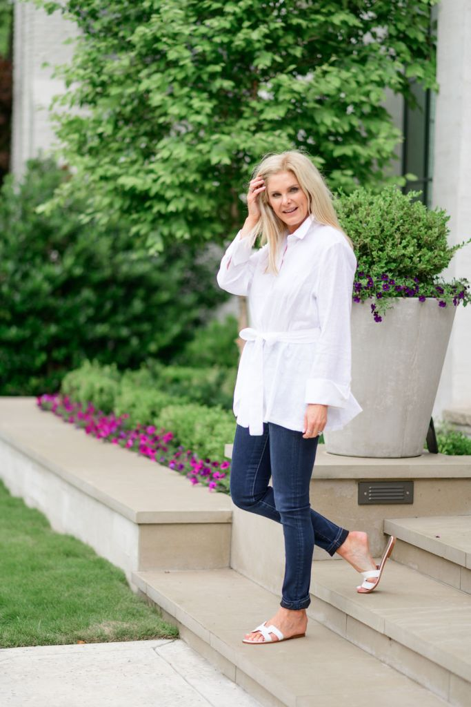 Tanya Foster wearing Ala von Auersperg white linen tunic top with jeans and hermes oran sandals
