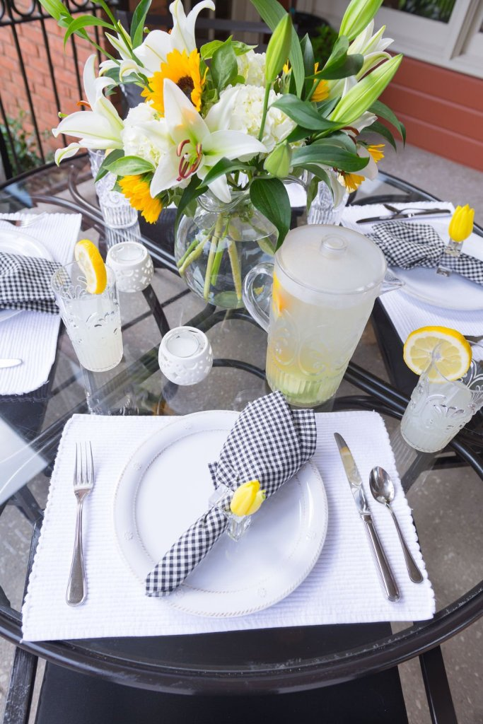 table setting for summer outdoor entertaining