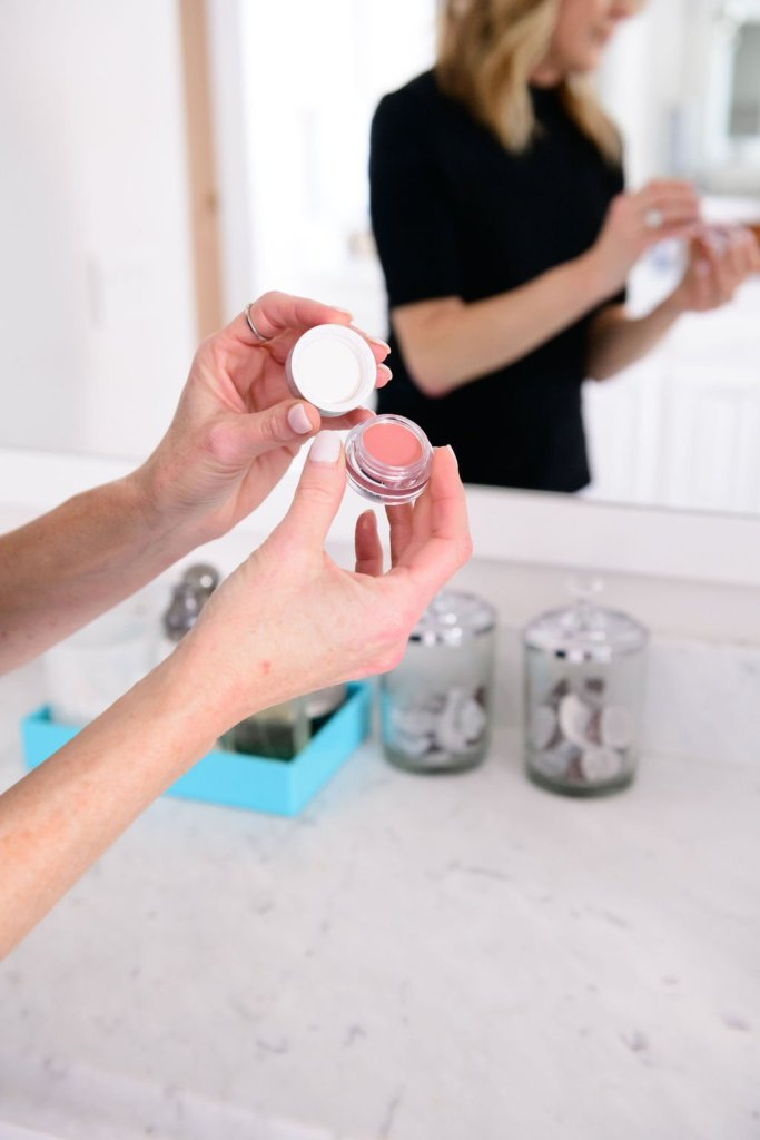 Tanya Foster using Trinny London product