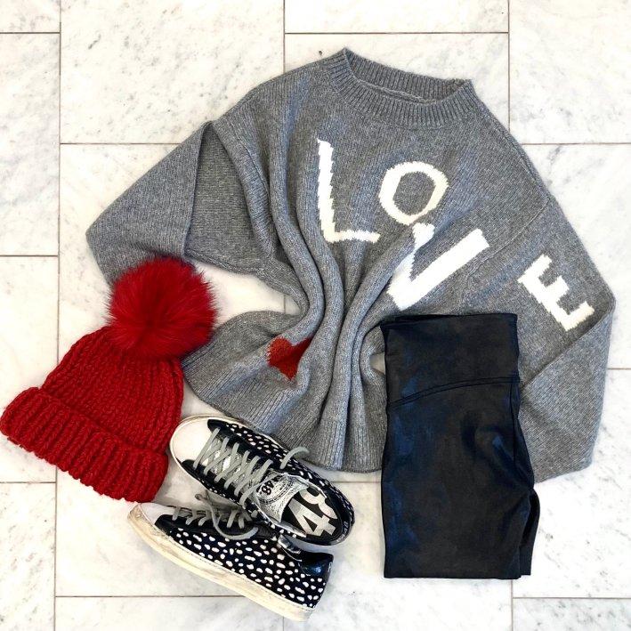 LOFT love sweater red pom pom hat john low top sneakers p448