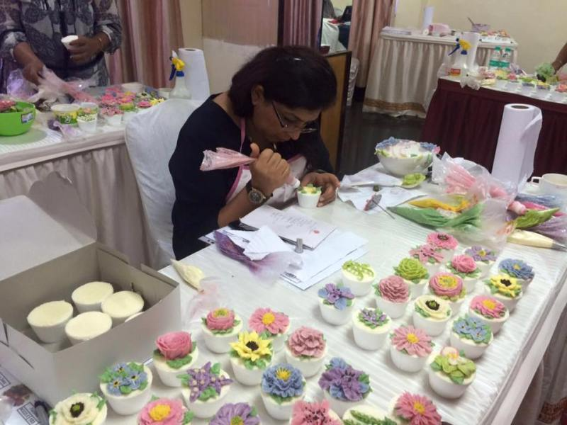 Cupcake Decorating Workshop at CakeKraft India
