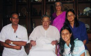 Meeting Verghese Kurien the man behind the White Revolution, at his residence in Anand, Gujarat (2010 ). Photo courtesy: Seema Manchanda
