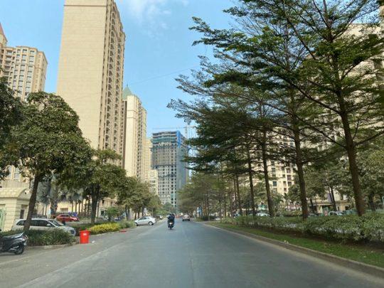 Image 1-A scenic road at Hiranandani Estate