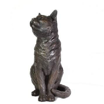 Sitting Cat sculpture front view