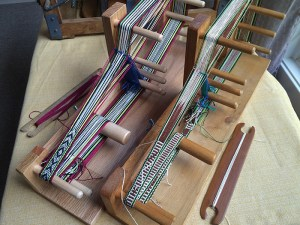 Inkle looms in action