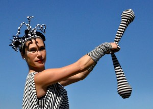 FROLLEIN RINGELREIH' * Kostüm und Charakter für Tageslicht- und Schwarzlicht-Performances & Walk Acts * Foto: Taniagotschi