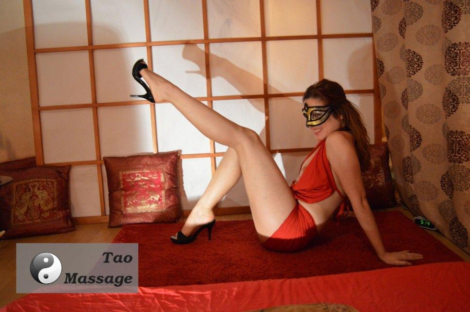 tara-long-legs