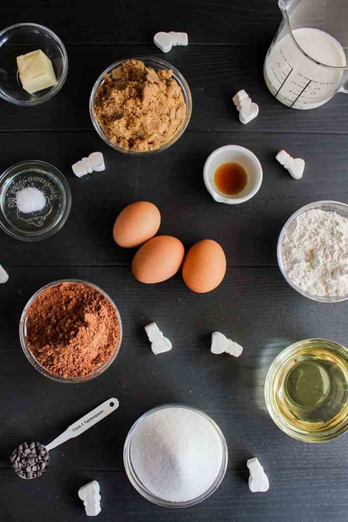 Top down shot of ingredients for hot cocoa brownie skillet.