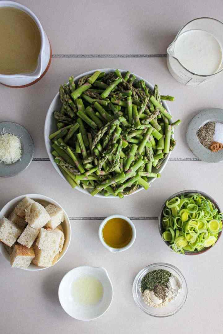 Ingredients for asparagus leek soup (see recipe card).