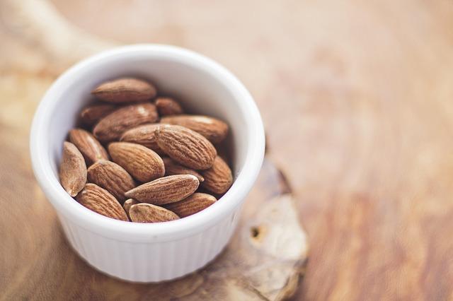 Vegan Dark Chocolate Ice Cream - Almonds
