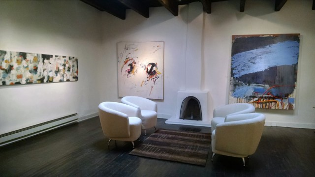 203 FINE ART interior 3