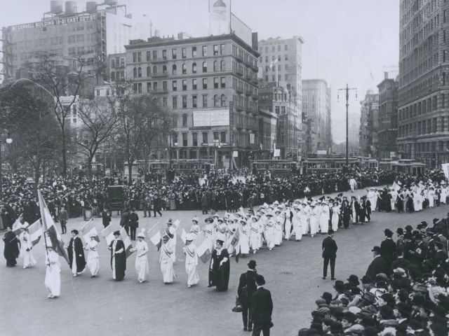 http-%2f%2fmashable-com%2fwp-content%2fgallery%2fwomens-suffrage%2f1912%20suffrage%20parade
