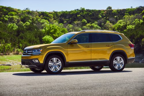 2017 Suvs Worth Waiting For >> Vw Atlas Wins Best 3 Row Suv Challenge By Cars Com