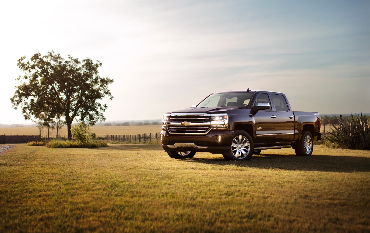 Chevy Half Ton Pick Up Which Light Duty Pickup Trucks Have The Best Resale Value Chevrolet Silverado