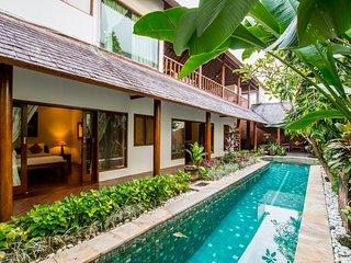 wheelchair hire bali study table and chair villas vacation rentals in flipkey villa royal 3br peaceful sensual atmosphere central seminyak