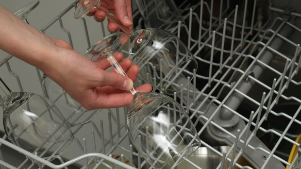 πλυντηριο πιατων γυαλισμενα ποτηρια