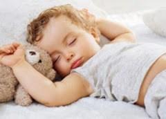 Mẹo sử dụng điều hoà đúng cách cho trẻ nhỏ không bị ốm trong mùa hè