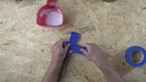 Preserving paint brushes between coats