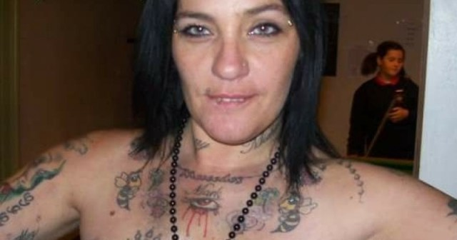 Mandy Cowie Lives On Welfare With 10 Kids From 5 Different Men