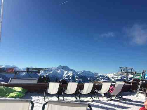 When you think of Switzerland for Christmas, do you think of snow? A shocking trend of no snow in Switzerland for the holidays is starting.