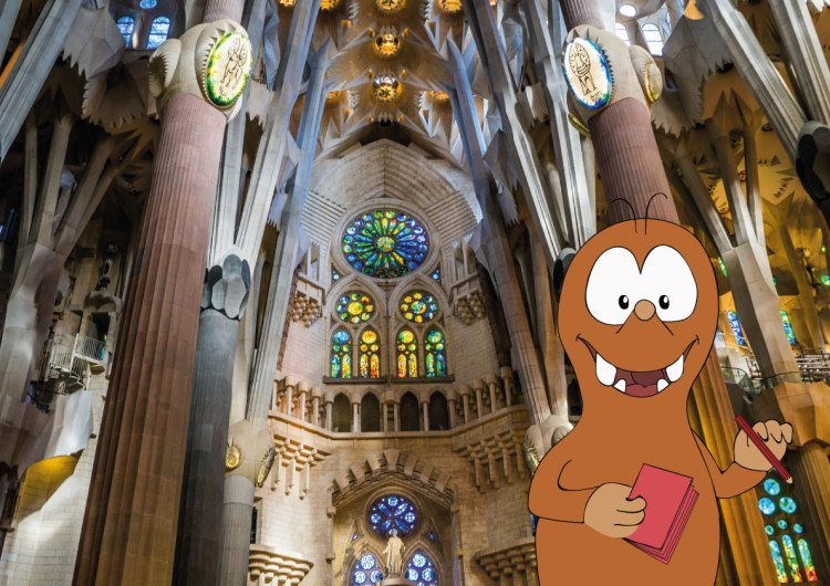 Sagrada familia with Tapsy tours for families with kids