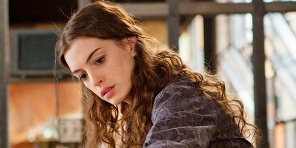 "La desaparecida hija de Anne Hathaway en ""The burning woman"""