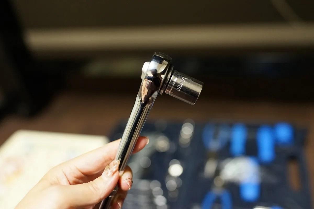 昇降のテンションを変える工具