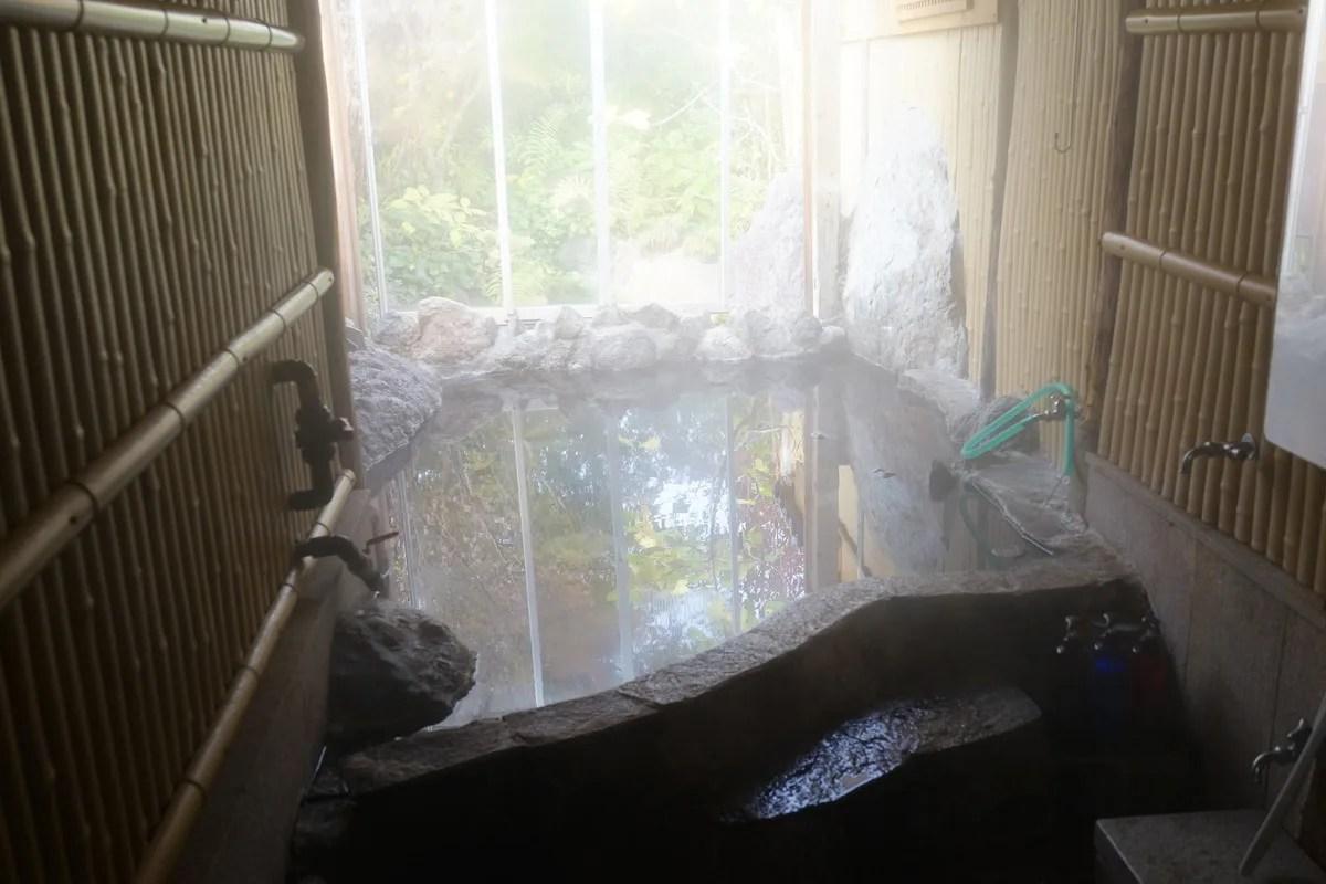 湯布院 夢ひろば ゆっくりくつろげる貸し切り家族湯ありの宿 お風呂場の写真
