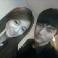 Jiyeon's selca with 2AM's Seulong