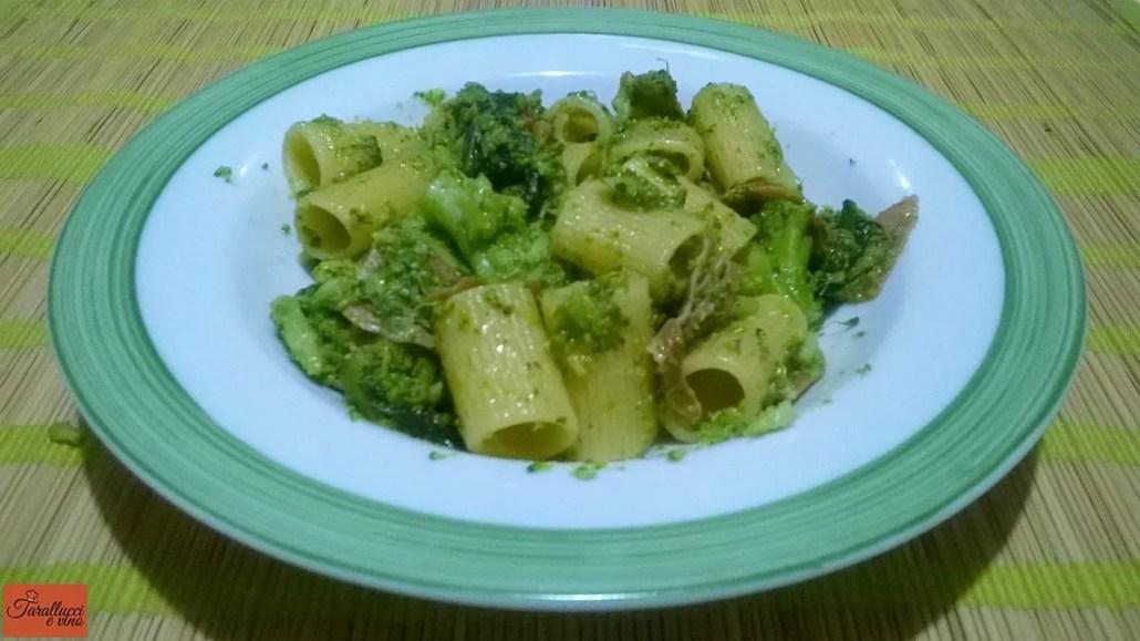 Pasta con broccoletti siciliani e prosciutto
