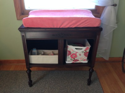 Changing table / record cabinet