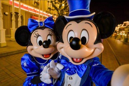Mickey Mouse Happy Birthday Disneyland Paris1