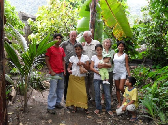 Traditional Peru family with Gringos