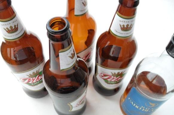 tarapoto-pilsen-peru-drinking